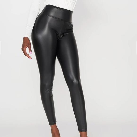 STREETWEAR | Faux leather leggings size L